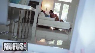 Mofos - Big Ass Ebony Teen Sarai Minx Cheats On Her Husband