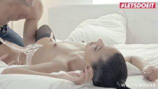 White Boxxx - Shooting Fluid Step Sister Apolonia Lapiedra Cums Stiff - Letsdoeit