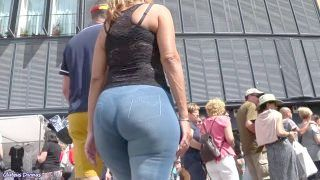 Delicious Spanish Curvy Sexy Mother Butt From Gluteus Divinus