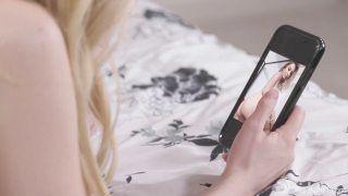 Girlgirl - Nudes On My Supreme Friends Phone - Scarlett Sage , Lexi Lore