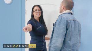 Brazzers - Big Boobs Domme Trainer Reagan Foxx Fucks Classman